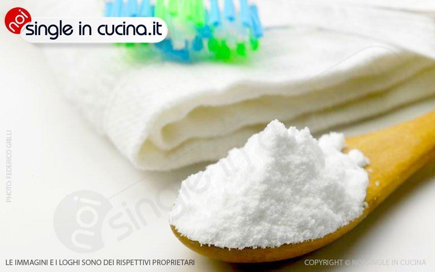 pulire-acciaio-con-bicarbonato