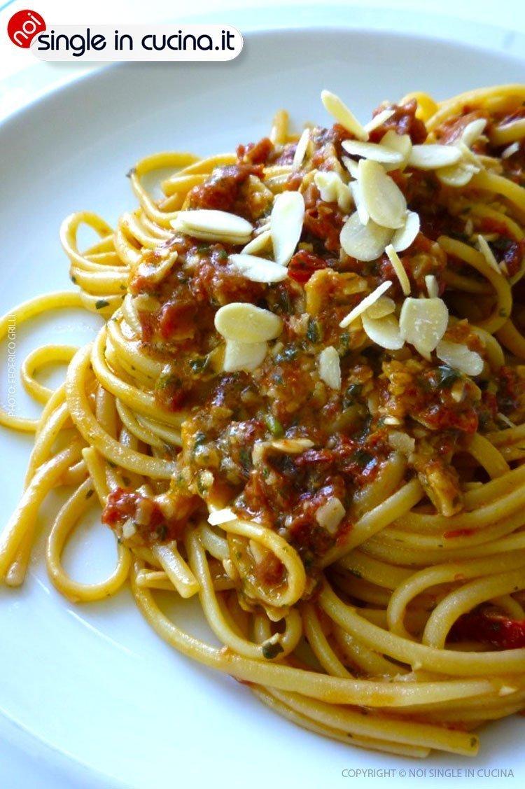 spaghetti-in-salsa-di-pomodori-secchi