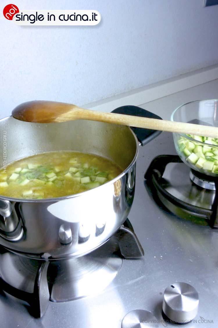 vellutata-di-zucchine e basilico